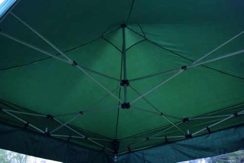 Rychlosestavitelný zelený stánek na trhy