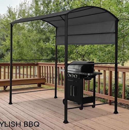 Mobilní přístřešek pro zakrytí grilu na terase