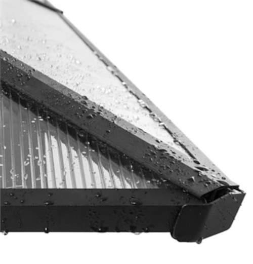 Střecha altánu odolá každému dešti