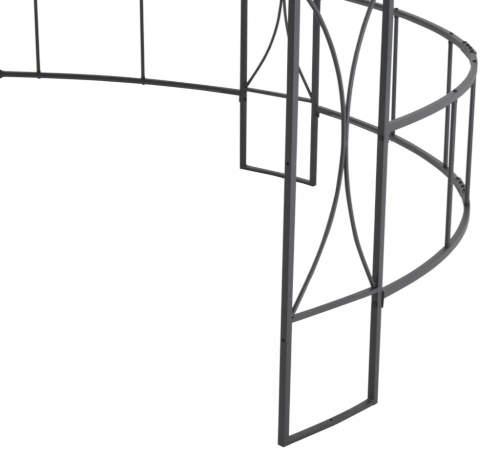 Železná konstrukce zahradního altánu